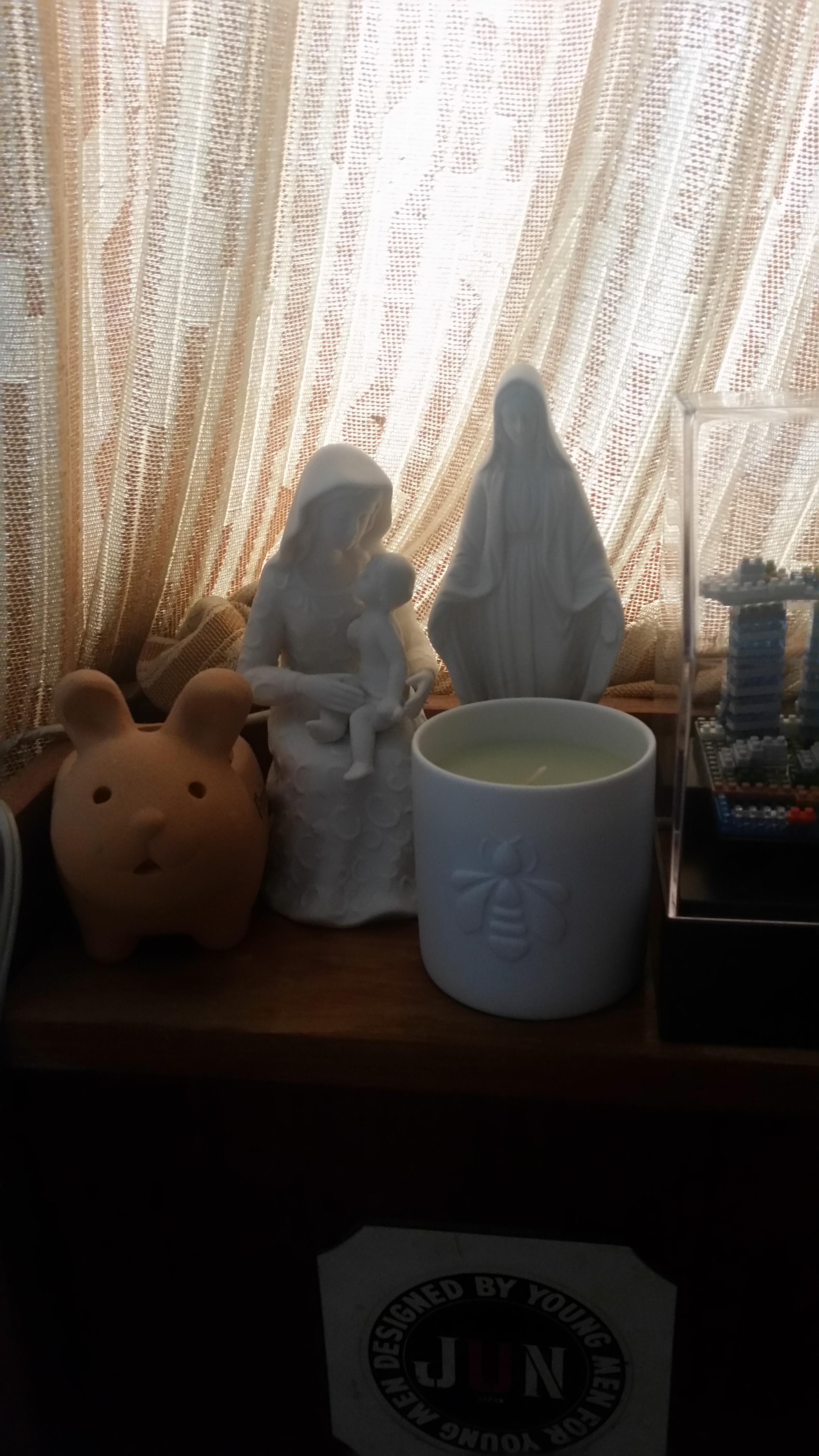 聖母子像とミュゲ